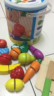 Fruits & Vegetables cut & play