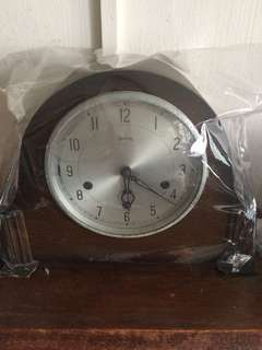 Vintage  England Grandfathers clock good condition