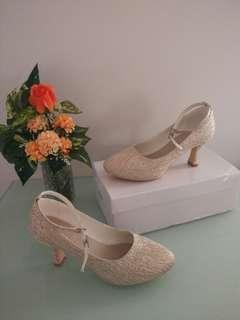 Glittery gold hidden platform low heel