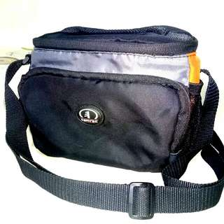 Tamrac Compact Camera Bag