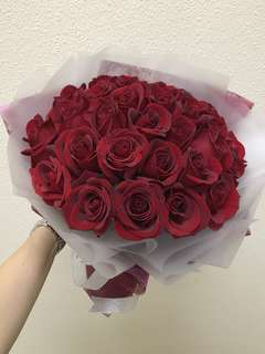 28 red roses bouquet
