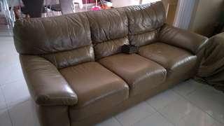 Free sofa 3 seater.