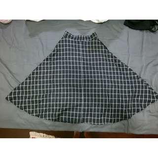 🔸Pazzo 格紋傘襬中長裙