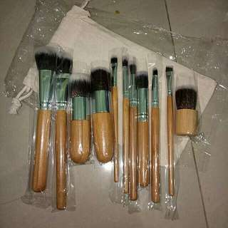 NEW Bamboo brush 11pcs + pouch