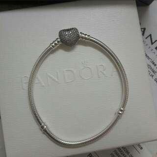 Pandora Bracelet moment pave heart