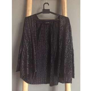 MONKI shining black kimono top