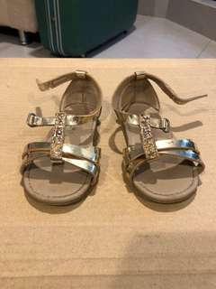 Preloved toddler strap sandal