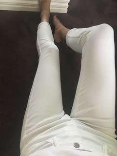 White jeans jeggings