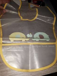Elephant bib wd catcher