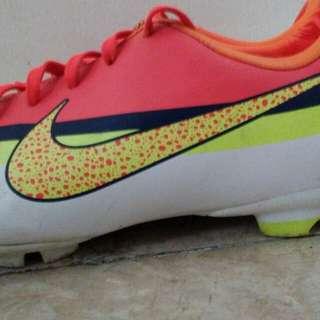 Nike Mercurial Kid's football shoe Size 3Y