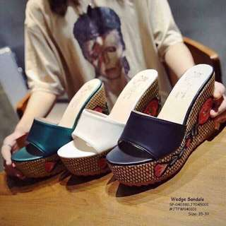 Wedge sandals size : 35-39