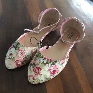 TLTSN Floral Flatshoes