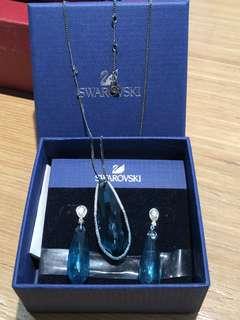 Swarovski Necklace + earrings set