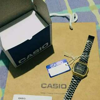 Casio Vintage Watch Gold Plate (Black)