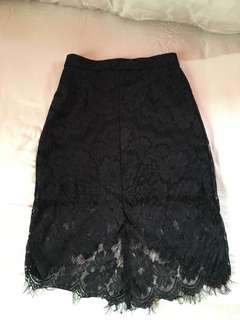 10 mailed MDS Lace Skirt