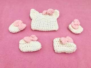 Hello Kitty Bonnet Mitten and Booties