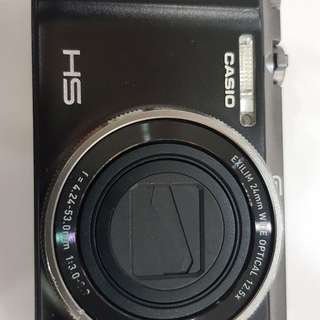 Used beauty camera zr1200