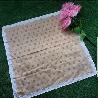 Handkerchief atau sapu tangan givenchy auth