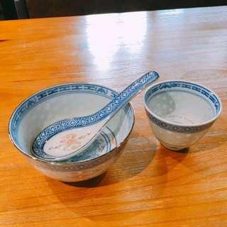 70-80年代景德鎮青花描金彩玲瓏內龍紋碗
