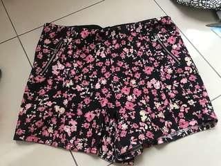 floral shorts (bershka)