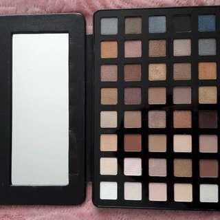 Eyeshadow palette - used twice!