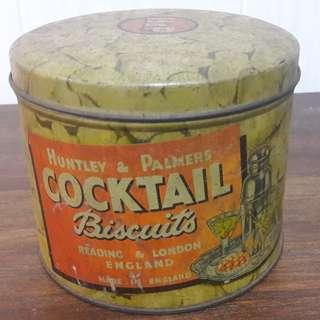 Vintage Huntley & Palmers biscuit tin (England)