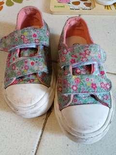 小朋友布鞋