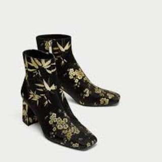 Zara - BNWT Embroidered ankle boots mid heel size 37 / 39