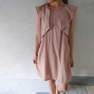 🚚 杏色荷邊造型短袖洋裝b