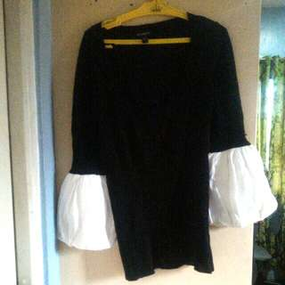 "Repriced!""BEBE"" black puff top"