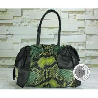 (SECOND HAND) PRADA SNAKE PRINT CANVAS TOTE BAG GHW, BLACK 全新 手袋 黑色