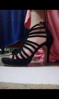 High heels suede tali warna hitam