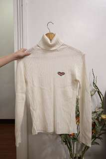 White retro/vintage turtleneck sweater