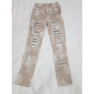 Distressed ripped jegging