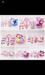 PO frozen/Sofia/princess/hello kitty Jewellery and hairset box set brand new