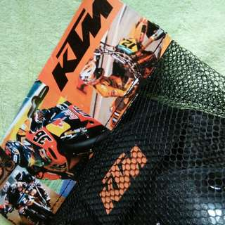 KTM knee and elbow protective gear