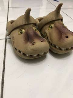Dino pollywalk shoes