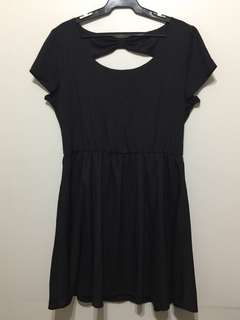 Plus size black ribbon back dress