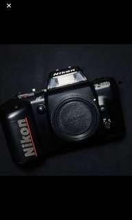 Nikon F401s SLR