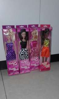Barbie 公仔 and clothes