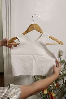 White criss-crossed sleeveless cropped top