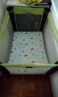 Graco pack and play travel cot with mattress