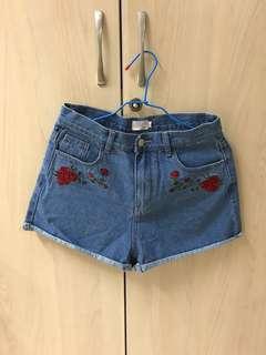 🚚 PAZZO 刺繡短褲