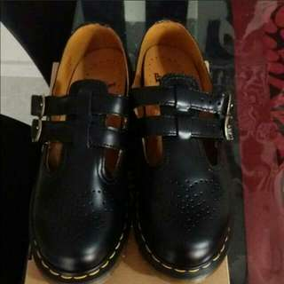 Doc martens mary janes