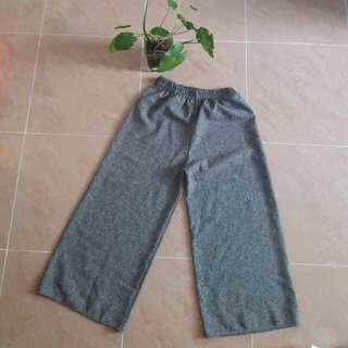 灰闊腳褲 9成新