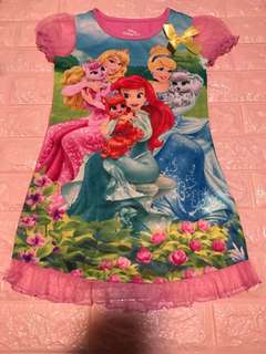 Instock brand new princess dress size 6x for 6-7yrs old