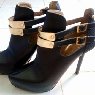 Beira Rio Ankle Boots (Black)