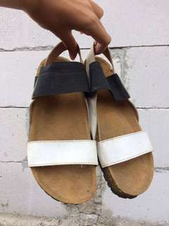 Simple sandals bu Addorable Project