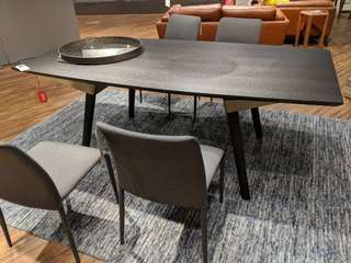 Dining Table from homestolife