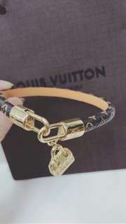 LV rounded leather bracelet new arrival